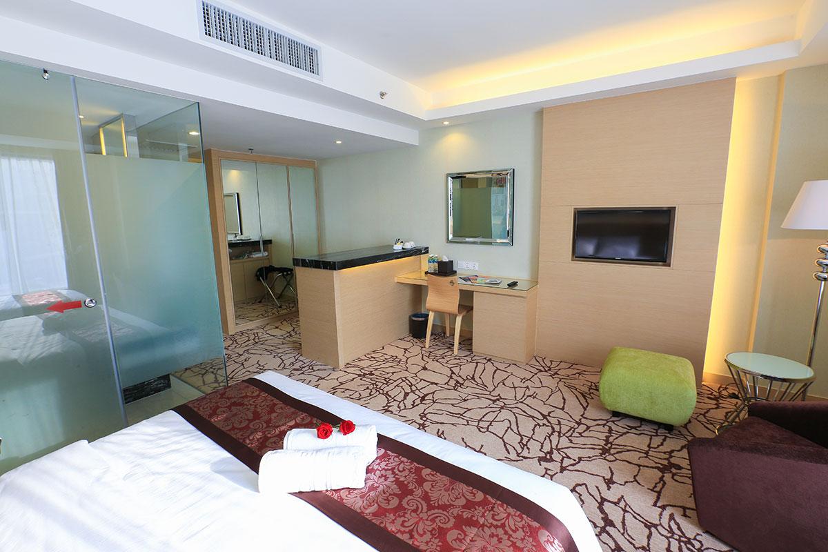 executive suite.2 jpg